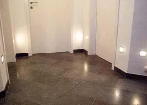 dlážděná podlaha